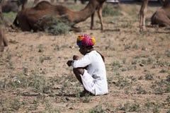 有头巾的老Rajasthani人 节日普斯赫卡尔 免版税图库摄影
