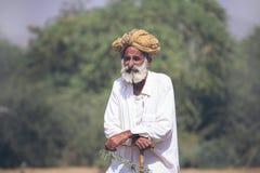 有头巾的老Rajasthani人 图库摄影