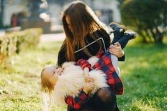 有女儿的母亲 图库摄影