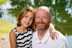 有女儿的父亲 库存照片