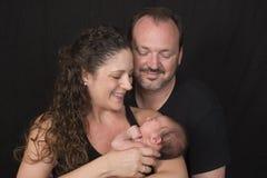 有女婴的父母 免版税库存图片