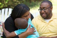 有她的儿子和孙子的非裔美国人的母亲 库存图片