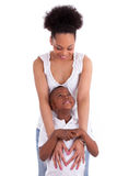 有她的儿子的年轻非裔美国人的单亲母亲-黑人 库存照片