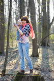 有她的小婴孩的母亲 免版税库存图片