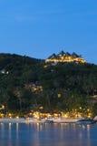 有好的平房的美丽的热带海岛 酸值陶海岛 图库摄影
