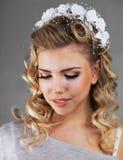 有婚礼发型的女孩 免版税库存照片