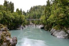 有它的署名绿松石河的风景Hokitika峡谷在新西兰 免版税库存图片