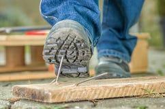 有安全靴的工作者 库存照片