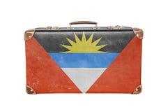 有安提瓜岛巴布达旗子的葡萄酒手提箱 免版税图库摄影