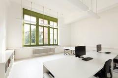 有家具白色的办公室 库存照片