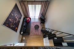 有家具的女孩的室在一个私有房子里 免版税库存图片