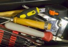 有家庭的工具箱用工具加工特写镜头 库存图片