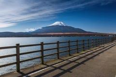 有富士山的Yamanaka湖在日本 库存图片