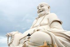 有小珠的愉快的菩萨在越南 免版税库存图片