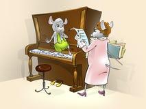 有小的老鼠钢琴课 免版税库存照片