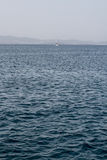 有小船的海 免版税图库摄影