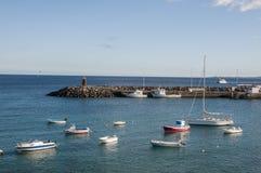 有小船的港口 图库摄影