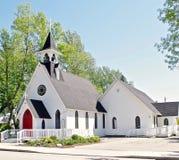 有尖顶的,小镇美国国家教会 库存图片