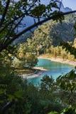 有山反射的湖日本国天皇 免版税库存照片