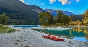 有山反射的湖日本国天皇 图库摄影
