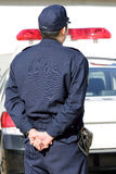 有巡逻车的日本警察 库存图片