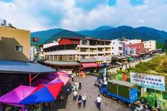 有市场供营商和小旅馆的村庄 免版税图库摄影