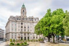 有市政厅的特林达迪广场在波尔图-葡萄牙 免版税库存图片