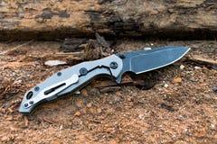 有布雷克刀片和灰色把柄的刀子 图库摄影