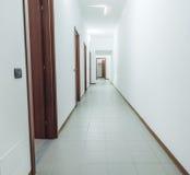 有席子的公寓走廊 免版税库存照片