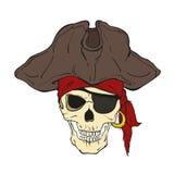 有帽子和眼睛补丁的海盗头骨 免版税库存图片