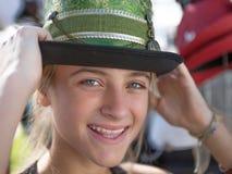 有帽子的十几岁的女孩 免版税库存照片