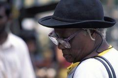 有帽子的夫人在特立尼达 免版税库存照片