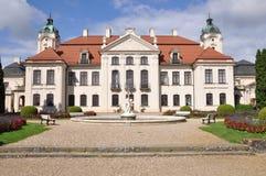 有庭院的波兰Kozlowka宫殿 免版税库存照片