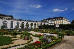 有庭院的Bruhl宫殿 免版税图库摄影