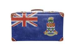 有开曼群岛旗子的葡萄酒手提箱 免版税库存照片