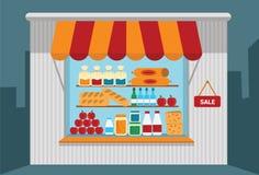 有开架式的小商店与物品 免版税库存照片