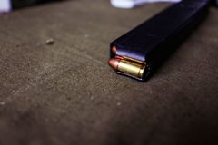 有弹药筒的9mm弹药 免版税库存图片