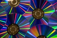有彩虹范围的许多音乐雷射唱片颜色  库存照片