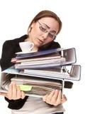 有很多文件夹的叫女实业家和的咖啡  免版税图库摄影
