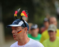 有德国帽子的连续人 免版税库存图片