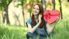 有心脏形状的妇女 股票视频