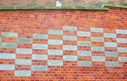 有恩人的名字的谢意片剂,支持整修和恢复Wawel 库存照片