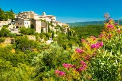 有戈尔代,普罗旺斯,法国花的古老中世纪村庄  库存图片