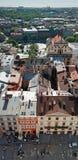 有房子的利沃夫州老市葡萄酒全景顶房顶顶视图,利沃夫州,乌克兰 免版税库存图片