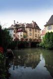 有房子的运河在科尔马 免版税库存照片