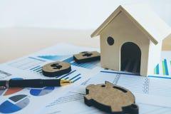 有房子的财政银行股报表,贪心,医疗, 图库摄影