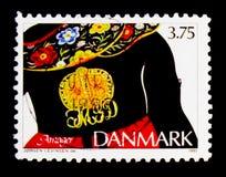 有所有者` s组合图案的,阿迈厄岛,传统首饰serie镀金面银别针,大约1993年 免版税库存照片