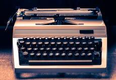 有拉丁字母的打字机在定调子 免版税图库摄影