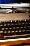 有拉丁字母的打字机在特写镜头 库存照片