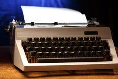 有拉丁字母的打字机在特写镜头 免版税库存照片